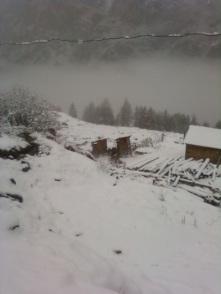 white mist, snowfall, hot water spring, kheer ganga, himachal pradesh, camping and trekking.