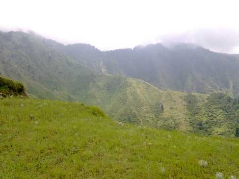 bir billing himachal pradesh barot valley, beautiful mountains.